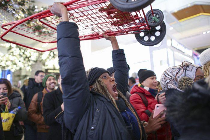 веселая доставка покупок с Черной Пятницы в США в ноябре